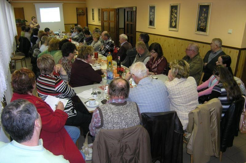 Pracovné stretnutie členov MAS k príprave výziev pre obce konané 10.12.2009 v Hrachove